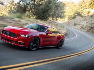 Ford Mustang 2.3 Ecoboost automatic - Image 4