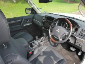 Mitsubishi Pajero 3-door 3.2DI-D GLS - Image 7