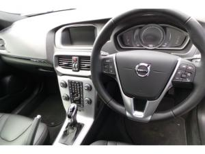 Volvo V40 Cross Country D4 Inscription - Image 15