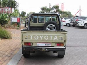 Toyota Land Cruiser 79 Land Cruiser 79 4.5D-4D LX V8 - Image 4
