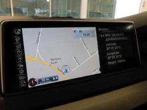 BMW X5 M50d - Image 19