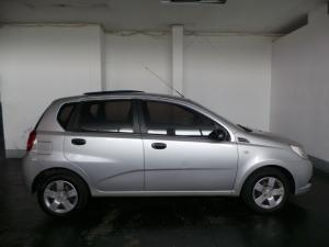 Chevrolet Aveo 1.6 L hatch - Image 2
