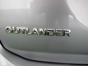 Mitsubishi Outlander 2.4 GLS Exceed CVT - Image 14