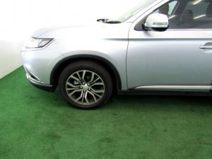 Mitsubishi Outlander 2.4 GLS Exceed CVT - Image 23