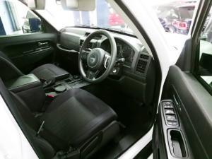 Jeep Cherokee 3.7L Sport - Image 4