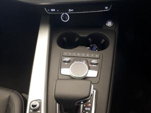 Audi A4 2.0 TDI Design Stronic - Image 15