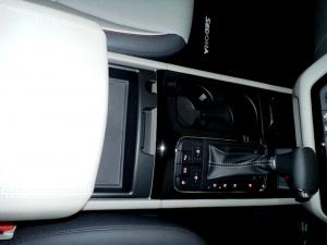 Kia Sedona 2.2D SXL automatic - Image 10