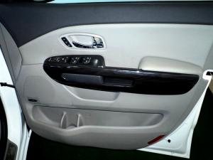 Kia Sedona 2.2D SXL automatic - Image 28
