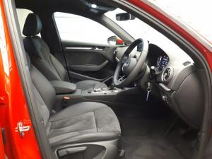 Audi A3 Sportback 2.0 TDI Stronic - Image 10