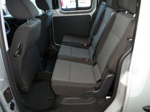 Volkswagen CADDY4 Maxi Crewbus 2.0 TDi - Image 16