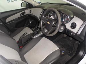 Chevrolet Cruze 1.6 L - Image 6