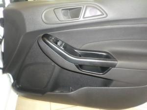 Ford Fiesta 5-door 1.0T Ambiente - Image 4