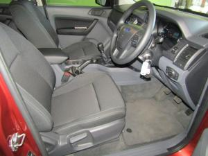 Ford Everest 2.2 TdciXLS 4X4 - Image 9
