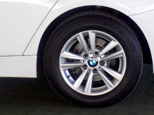 BMW 320D automatic - Image 28