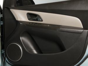 Chevrolet Cruze 2.0d LT - Image 11