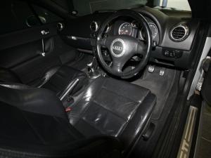 Audi TT Roadster 1.8T Quattro - Image 8