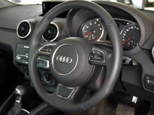 Audi A1 1.0T FSi S Stronic 3-Door - Image 6