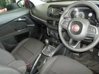 Fiat Tipo 1.4 Easy 5-Door