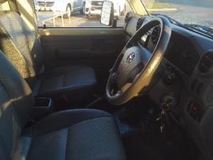 Toyota Land Cruiser 70 series Land Cruiser 79 4.2D pick-up - Image 6