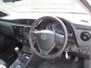 Toyota Corolla 1.6 Prestige auto - Image 9