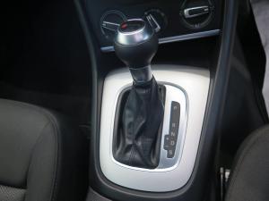 Audi Q3 2.0 TDI Stronic - Image 11