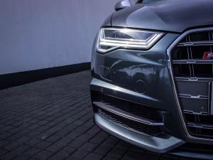 Audi S6 Quattro 4.0T FSI Stronic - Image 14