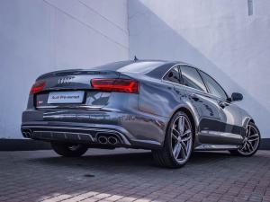 Audi S6 Quattro 4.0T FSI Stronic - Image 19
