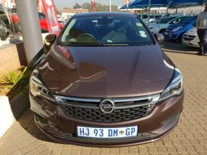 Opel Astra 1.4T Enjoy automatic - Image 4