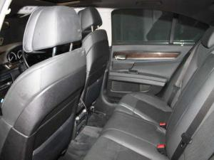 BMW 750i - Image 13