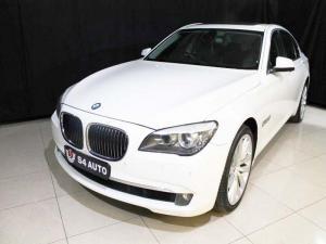 BMW 750i - Image 2