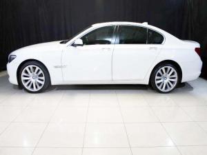 BMW 750i - Image 3