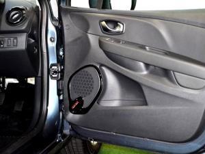 Renault Clio IV 1.2T Expression EDC 5-Door - Image 30