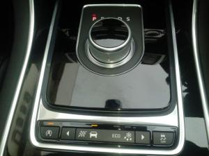 Jaguar XE 20d R-Sport - Image 8