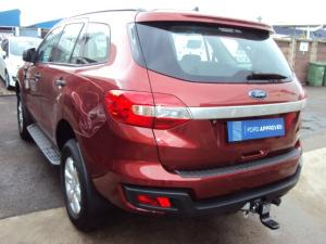 Ford Everest 2.2 TdciXLS 4X4 - Image 5