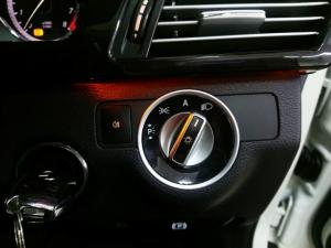 Mercedes-Benz E-Class E350 Elegance - Image 11