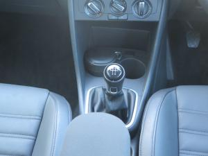Volkswagen Polo Vivo 1.6 Highline - Image 10