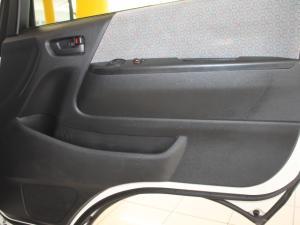 Toyota Quantum 2.5 D-4D 10 Seat - Image 26