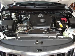 Mitsubishi Triton 2.4DI-D double cab - Image 5