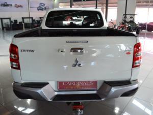 Mitsubishi Triton 2.4DI-D double cab - Image 9