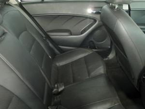 Kia Cerato 2.0 EX automatic - Image 10