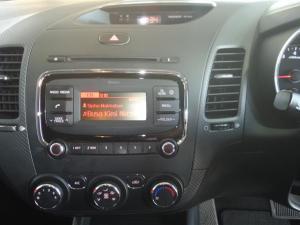 Kia Cerato 2.0 EX automatic - Image 13