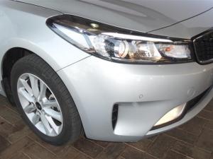 Kia Cerato 2.0 EX automatic - Image 7