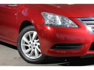 Nissan Sentra 1.6 Acenta auto - Image 2