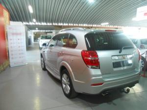 Chevrolet Captiva 2.2D LT automatic - Image 3