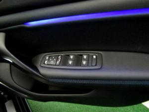 Renault Megane IV 1.2T GT-LINE EDC 5-Door - Image 31