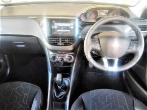 Peugeot 2008 1.2T Puretech Active - Image 5