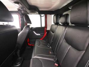 Jeep Wrangler Unltd Rubicon 3.6L V6 automatic - Image 13