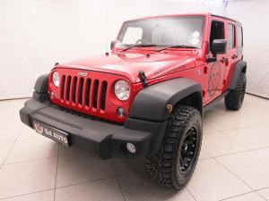 Jeep Wrangler Unltd Rubicon 3.6L V6 automatic - Image 2