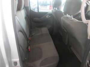 Nissan Navara 2.5 dCi LE automaticD/C - Image 6
