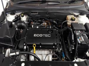 Chevrolet Cruze 1.4T LS automatic - Image 8